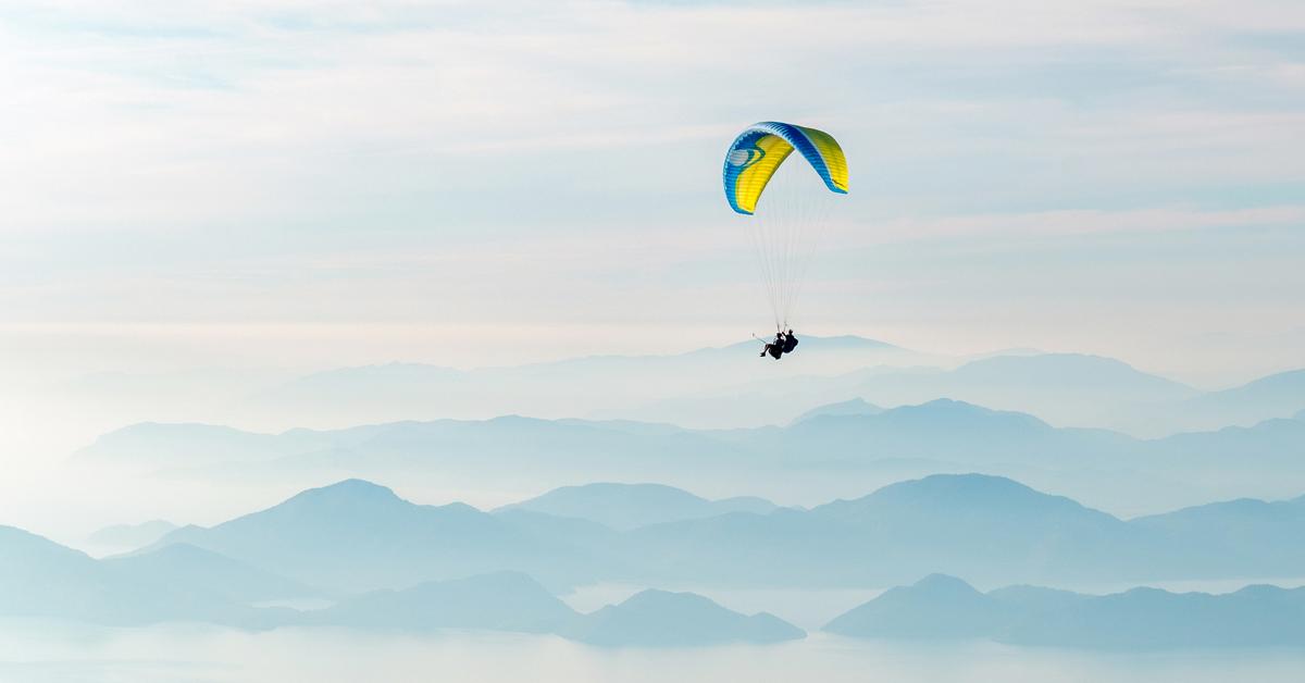 quoti-20210712-parachute.jpg